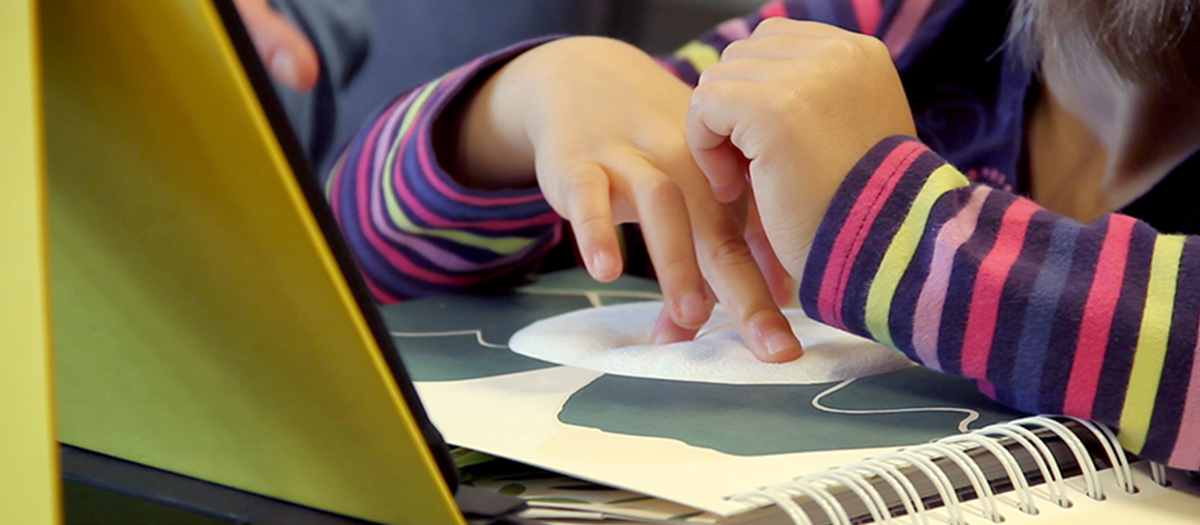 A new reading experience for visually impaired children